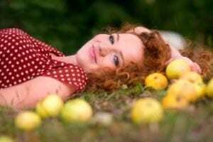 lying with apples